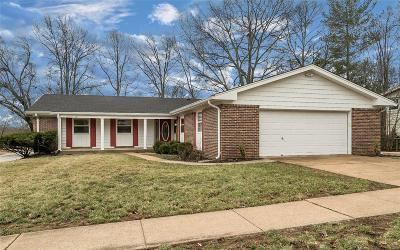 Ballwin Single Family Home For Sale: 1292 Autumn Wood Circle
