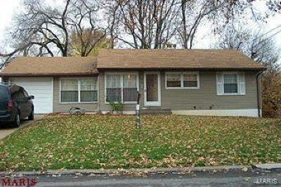 Single Family Home For Sale: 10414 Balmoral