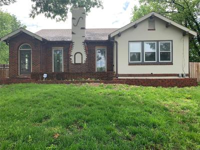 Single Family Home For Sale: 11126 Larimore
