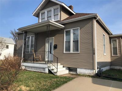 Belleville Single Family Home For Sale: 128 South 17th Street
