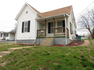 De Soto Single Family Home For Sale: 813 Blow Street