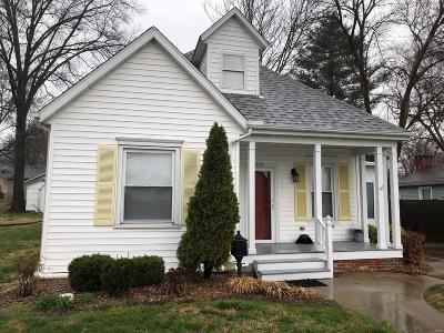 Lebanon Single Family Home For Sale: 307 Schuetz