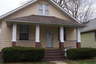 Belleville Single Family Home For Sale: 909 Bristow Street