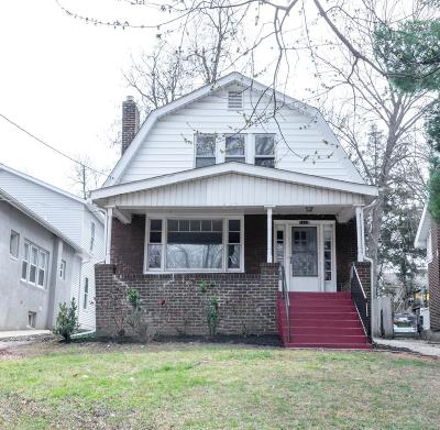 Single Family Home For Sale: 7414 Arlington Drive