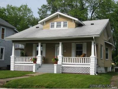 Edwardsville Single Family Home For Sale: 413 Cherry