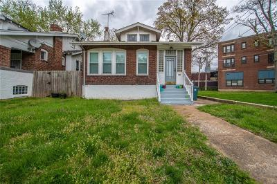 St Louis MO Single Family Home For Sale: $135,000