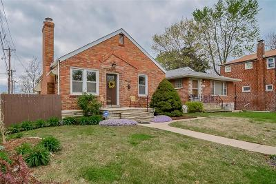 St Louis Single Family Home For Sale: 5643 Leona