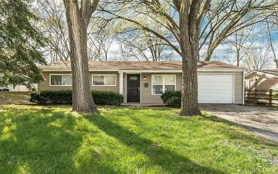 St Louis County Single Family Home For Sale: 9818 Tanbark Lane