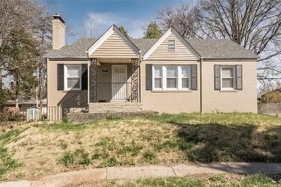 St Louis County Single Family Home For Sale: 3717 Killarney Court