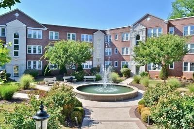 St Louis Condo/Townhouse For Sale: 7739 Kingsbury Boulevard #32