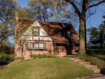Single Family Home For Sale: 316 Parkwoods Avenue