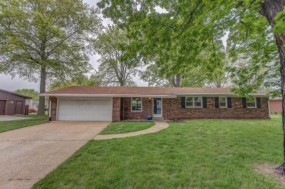 Fairview Heights Single Family Home For Sale: 135 Lakeland Hills