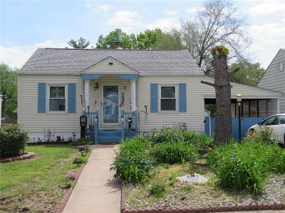 East Alton Single Family Home Active Under Contract: 108 Whitelaw Avenue
