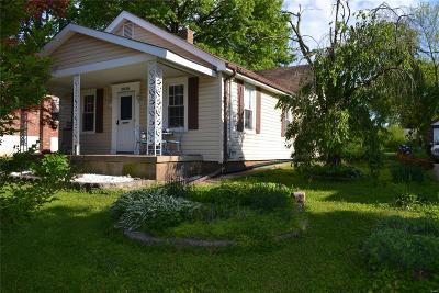 Single Family Home Active Under Contract: 5838 Staely Avenue