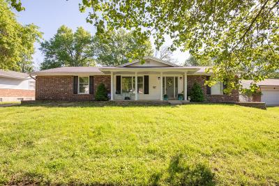 Ballwin Single Family Home For Sale: 913 Dutch Mill Drive