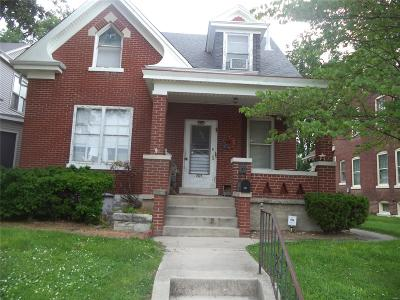 Belleville Single Family Home For Sale: 2023 West Main Street