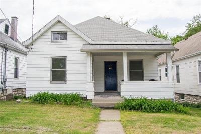 Alton Single Family Home For Sale: 1117 Diamond St