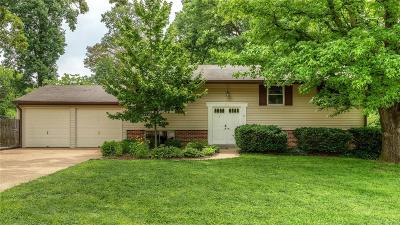 Manchester Single Family Home For Sale: 526 Spring Meadows Drive