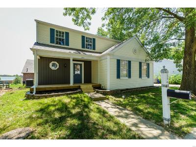 St Charles County Single Family Home For Sale: 116 Lamplighter Way