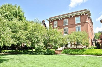 St Louis Condo/Townhouse For Sale: 55 Maryland Plaza #2E