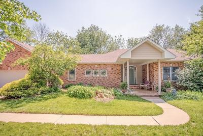 Belleville, Collinsville, Edwardsville, Glen Carbon, Highland, O Fallon, St Jacob, Swansea, Troy, Caseyville, Columbia, Fairview Heights, Lebanon, Mascoutah, Millstadt, New Baden, Shiloh, O'fallon Single Family Home For Sale: 1804 Lincoln Knolls Drive