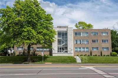 Condo/Townhouse For Sale: 520 South Brentwood Boulevard #3A