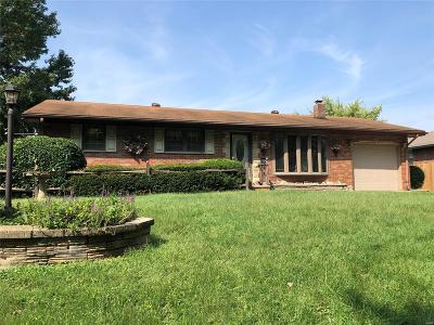 Bethalto IL Single Family Home For Sale: $139,900