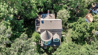 Single Family Home Active Under Contract: 680 Oakwood Avenue
