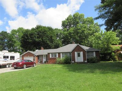 East Alton Single Family Home For Sale: 846 East Airline