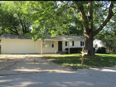 Single Family Home For Sale: 1462 Fairmeadows