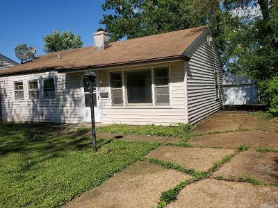 St Louis MO Single Family Home For Sale: $49,900