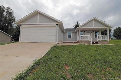 Desloge Single Family Home For Sale: 1121 Stone Crest
