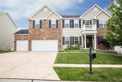 Fenton Single Family Home For Sale: 1553 Legacy Circle