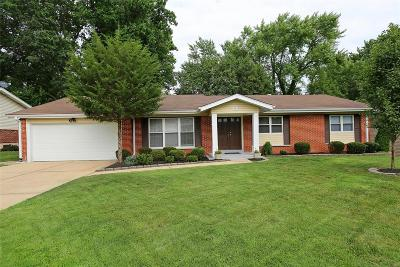 Creve Coeur Single Family Home Active Under Contract: 730 Aramis Drive