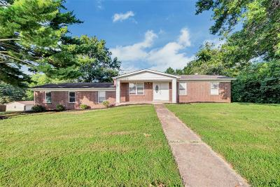 St Charles Single Family Home For Sale: 3 Twin Oaks Drive