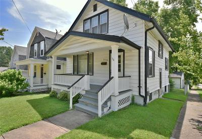 Single Family Home For Sale: 3538 Manhattan Avenue
