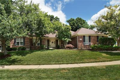 St Louis County Single Family Home For Sale: 915 Timber Glen Lane