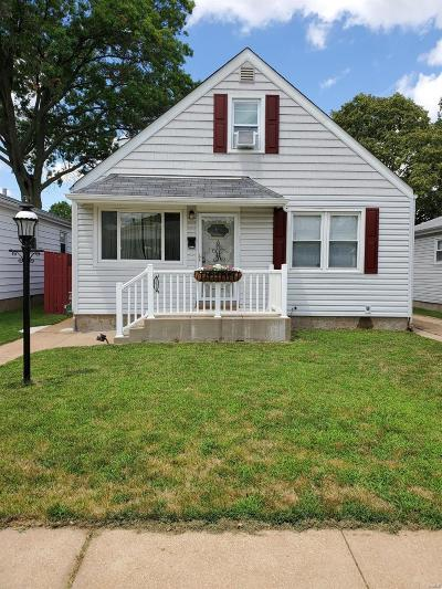 The Hill Single Family Home For Sale: 5617 Wilson Avenue