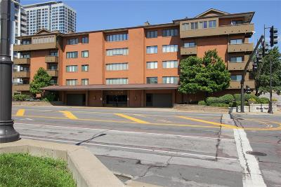Condo/Townhouse For Sale: 250 South Brentwood #1J