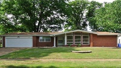 Florissant Single Family Home For Sale: 3465 Dwyer
