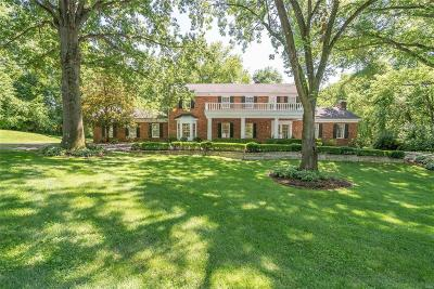 St Louis Single Family Home For Sale: 2 Huntleigh Trails Lane