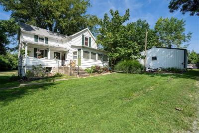 Ste Genevieve Single Family Home For Sale: 415 Lahaye