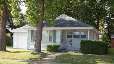 Owensville Single Family Home For Sale: 411 East Madison Avenue