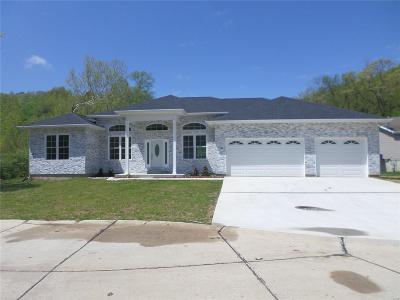 High Ridge Single Family Home For Sale: 2393 Fairway Drive
