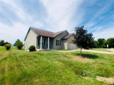 Jonesburg Single Family Home Active Under Contract: 123 Grant Drive