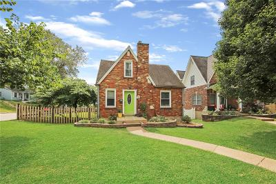 St Charles Single Family Home For Sale: 701 Water Street