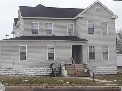Lincoln County, Warren County Multi Family Home For Sale: 215 East Cherry