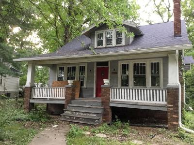 Edwardsville Single Family Home For Sale: 211 West Lincoln Street