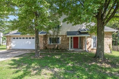 Single Family Home For Sale: 319 Windsor Spring Drive