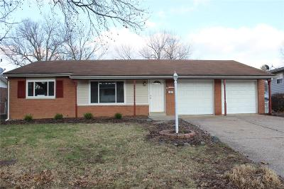 Belleville Single Family Home For Sale: 320 Todd Lane